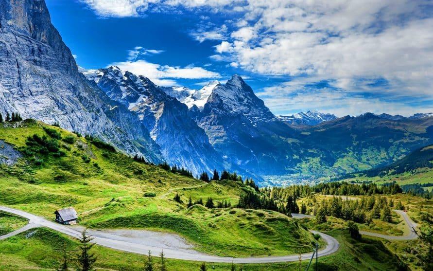 Descopera Elvetia-Franta-Italia